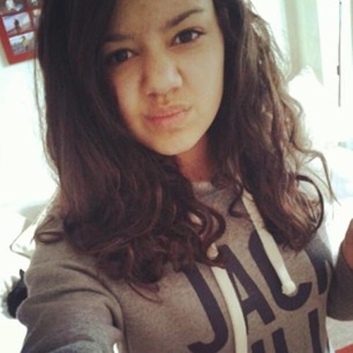 Christina ()'s avatar