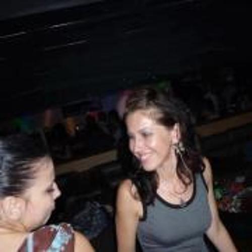 Nina Qneva's avatar