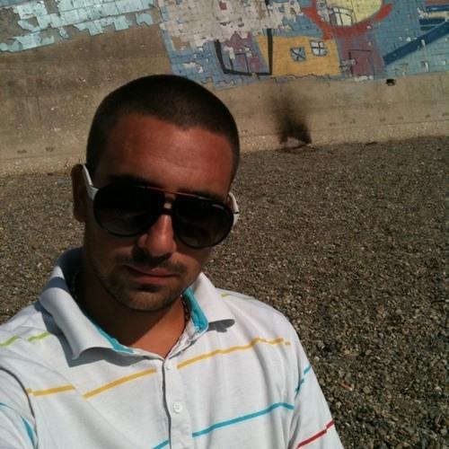 julius13110's avatar