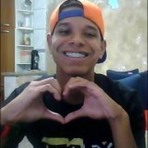 Victor Oliveira 58's avatar