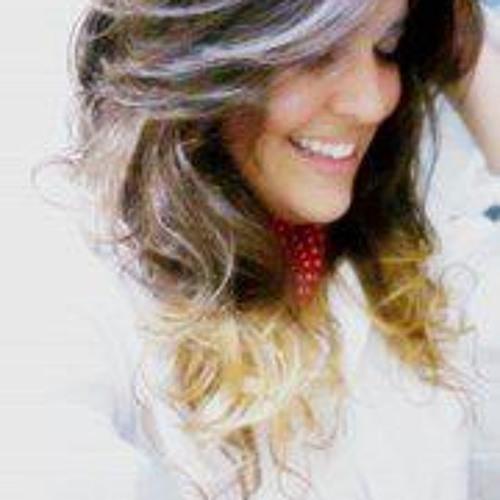 Anah Oliveira's avatar