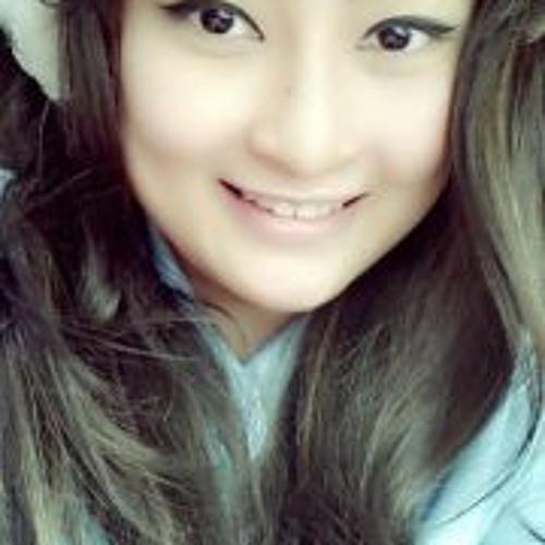 Putri Ajeng's avatar