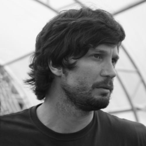 Fábio Della's avatar