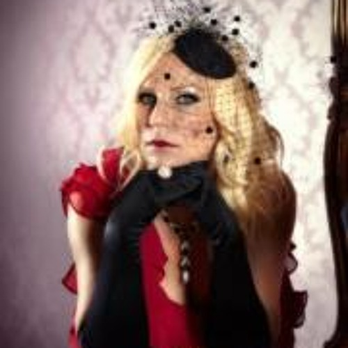 Lynn Fishwick's avatar