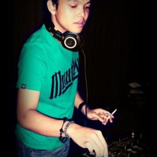 DJ YOUZA's avatar