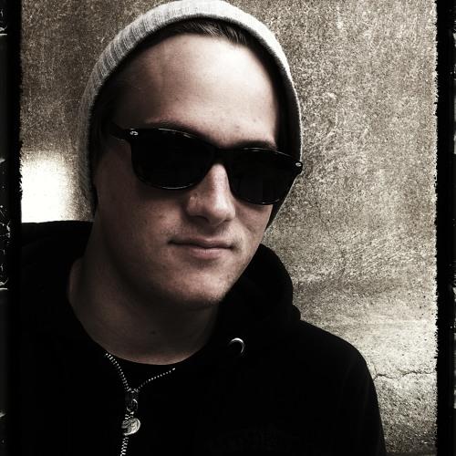 Damian Kutzim's avatar