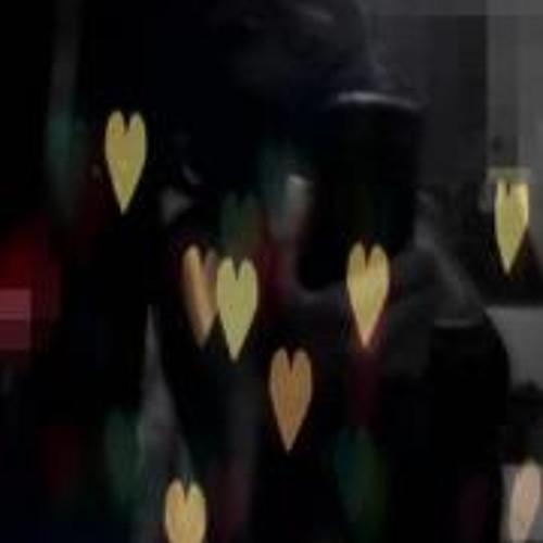 Caroline Moreira 3's avatar