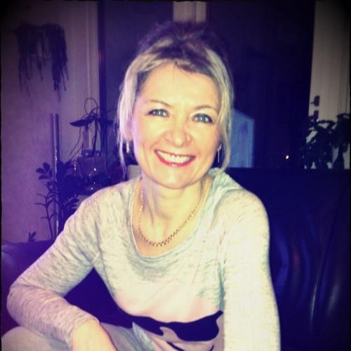 Yararai Anna's avatar