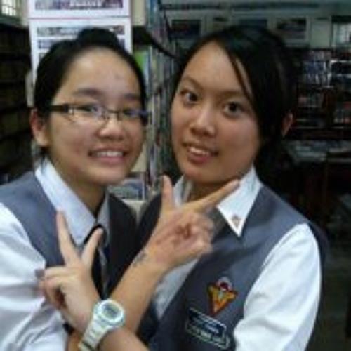 Shu Ting Lee's avatar
