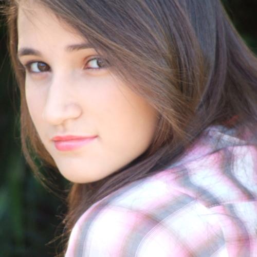 Laryssa Loá's avatar