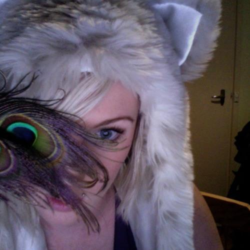 White Fox S's avatar