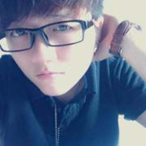 Tk Sze's avatar
