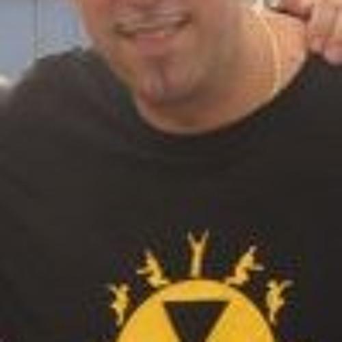 Victor Simonelli's avatar