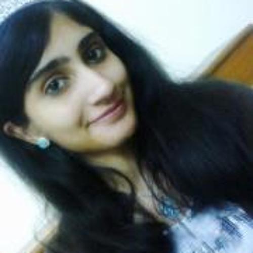 Yusra Hassan's avatar
