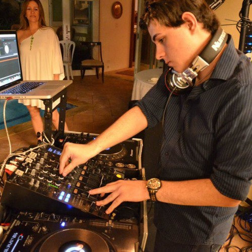 Triple Mashup! - DJ Fate Playlist