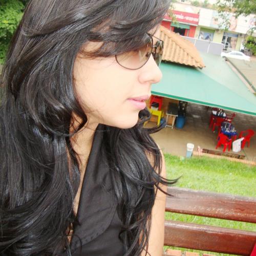 Erica Naiara's avatar