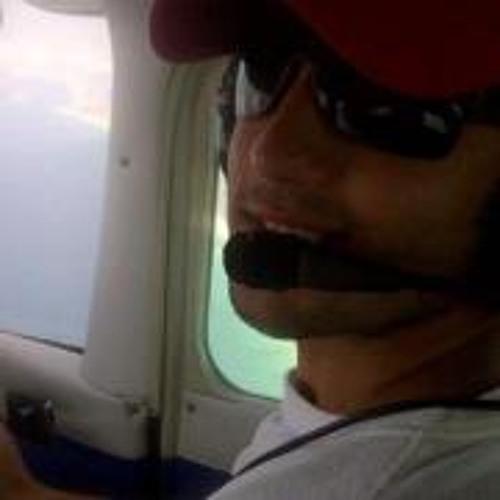 Alec Chol's avatar