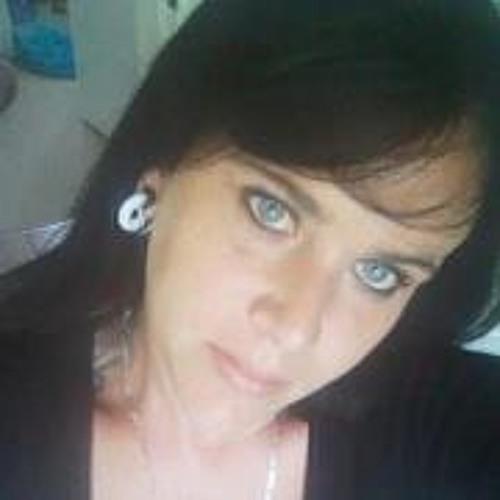 Cat Tamzyne Mitchell's avatar