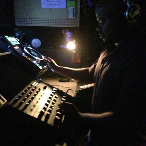 DJ JR B's avatar