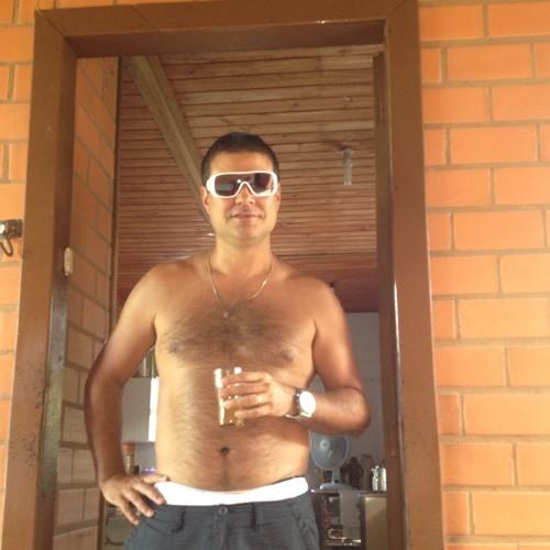 Rafael Lrg's avatar