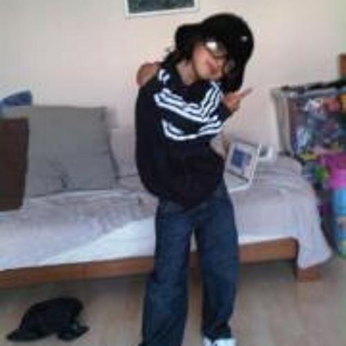 Claudine Samat's avatar