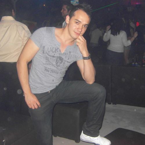 C@rlos G's avatar
