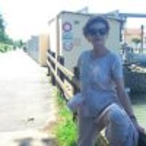 Patricia Chevalier 3's avatar