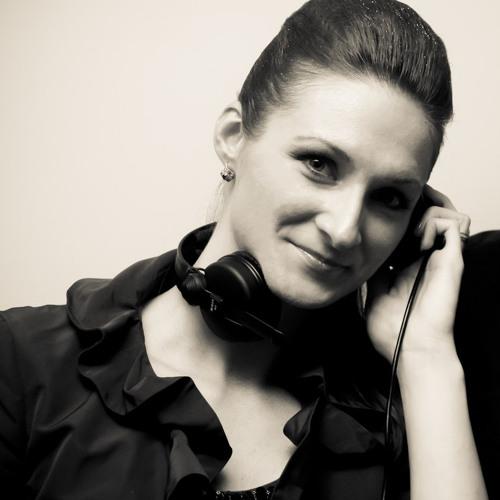 Julia Motruk's avatar