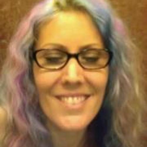 Julie Divers's avatar