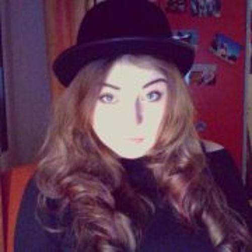 Lisa Sky's avatar
