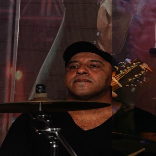 Luiz Ferreira34's avatar