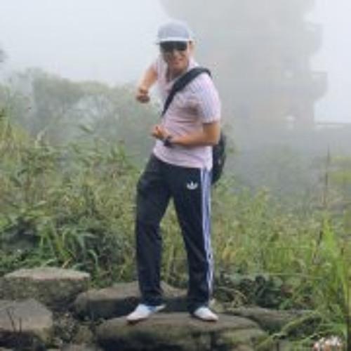Linh Brian's avatar
