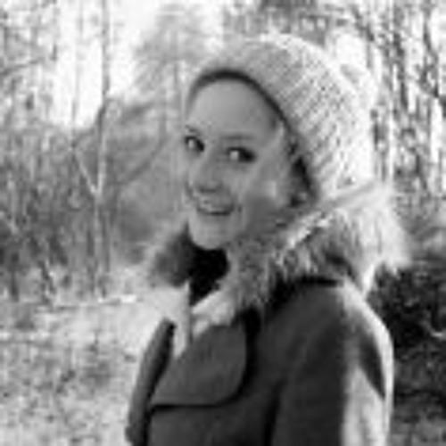 Laura Matern 1's avatar
