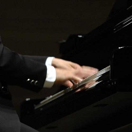 midnight pianoman's avatar