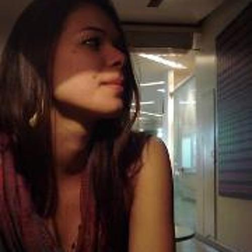 Caroline Vallandro Costa's avatar