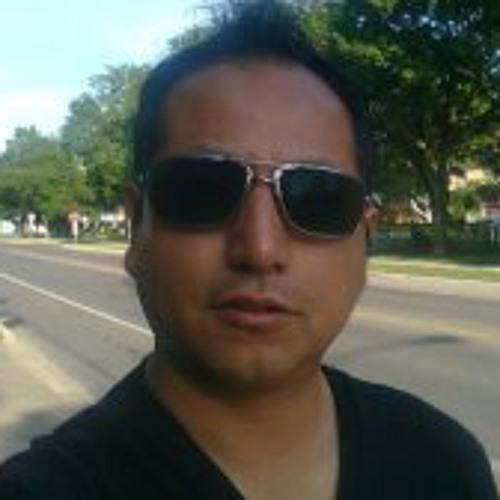 Henry Hernandez 20's avatar