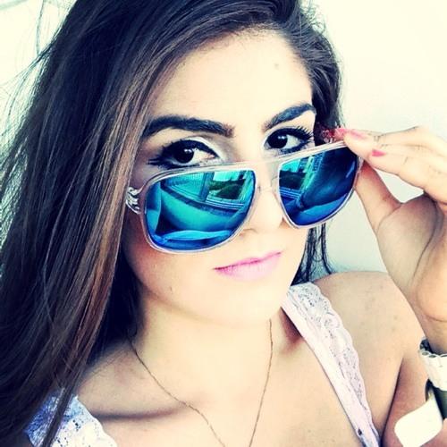 Silvia Salles's avatar