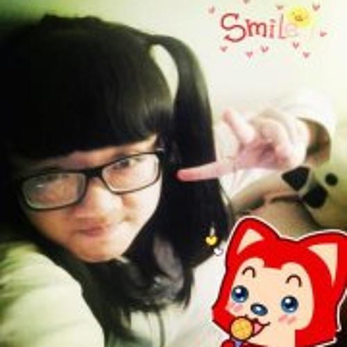 Kat Trang's avatar