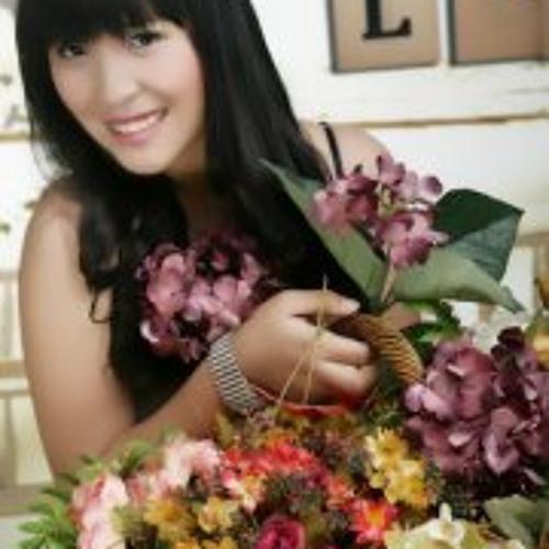 Carine Lim 1's avatar