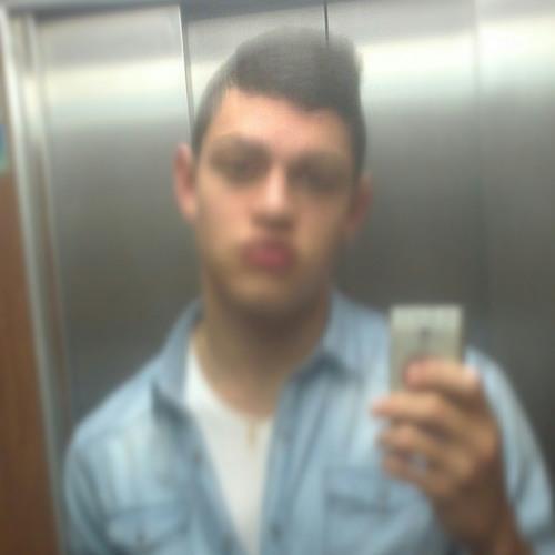 Alvarolatorre0's avatar