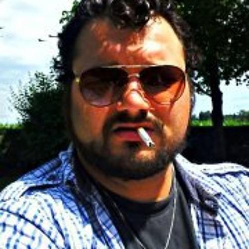 Haric Dennis Bacher's avatar