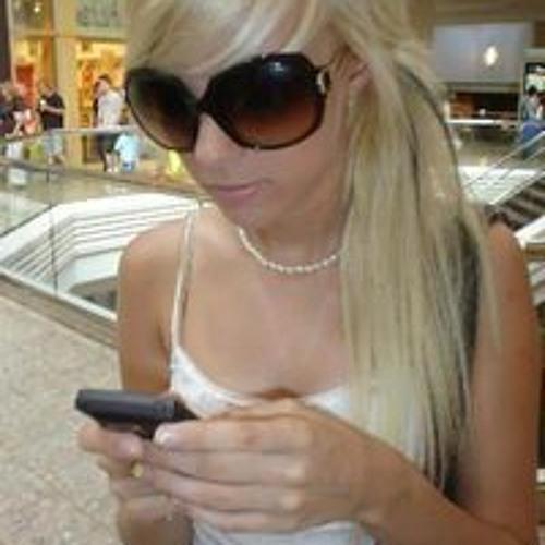 Vincze Mónika's avatar
