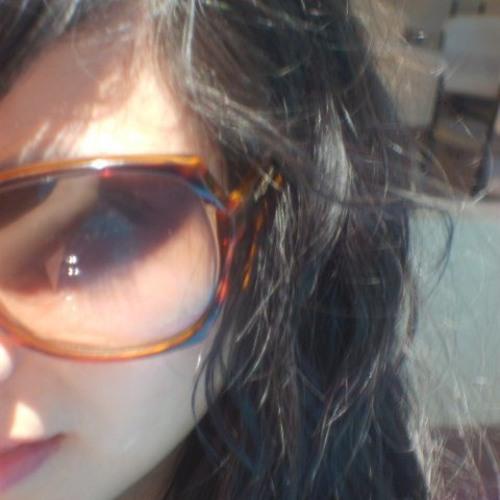 Luz Fernandez's avatar