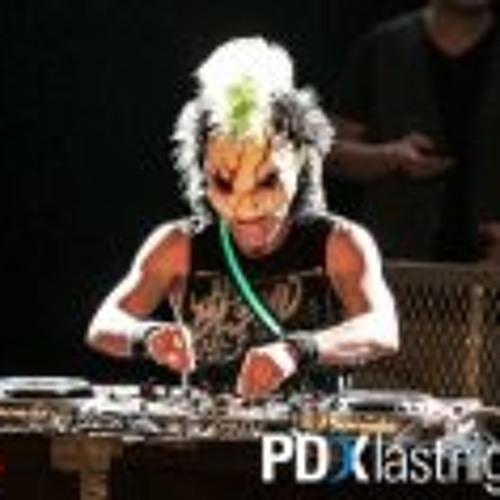 DreAk Vicente Ferra's avatar