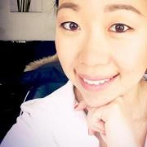 Emily J Kim's avatar