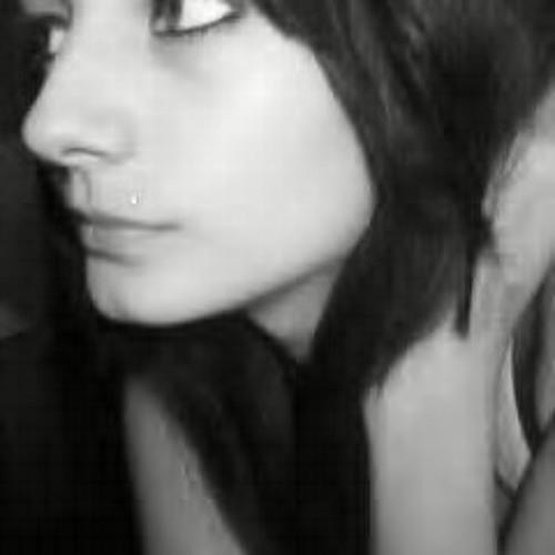 Charlemainekiie Roux's avatar