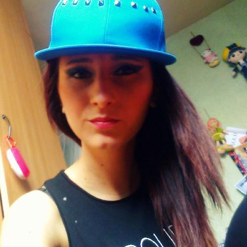 Roz Bombon's avatar