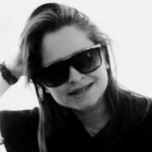 Tais Teixeira's avatar