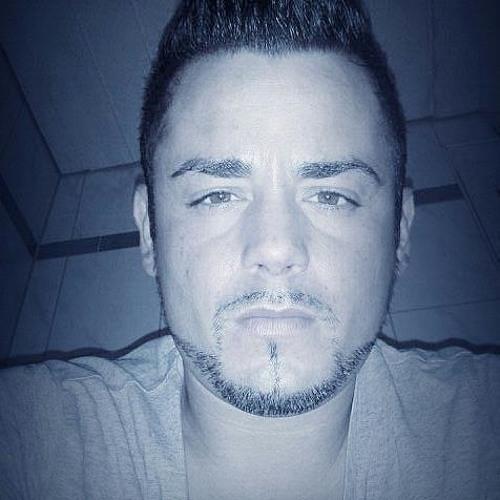 Isi Tok's avatar