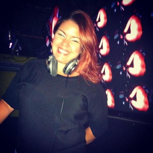 Andreia Freittas ♪♫'s avatar